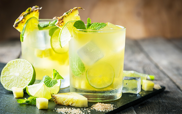 pineapple-lime-gin-tonic.jpg